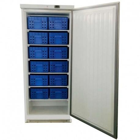 Congelador vertical GN 2/1, con 12 cestas.